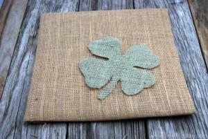 burlap framed 4 leaf clover 6