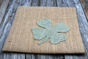 burlap framed 4 leaf clover 8