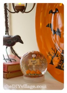 {Guest Post} Halloween Snow Globe from theDIYvillage