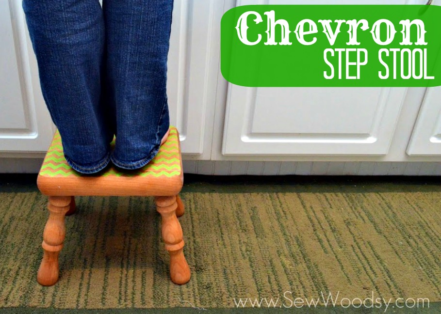 Chevron Step Stool from SewWoodsy.com #plaidpaint