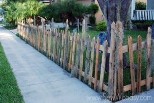 Halloween Fence for Front Yard #Video made for @Homesdotcom on SewWoodsy.com