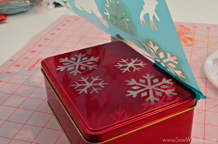Stenciled Cookie Tins #12monthsofmartha #marthabaking