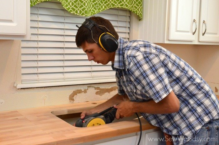 Cutting butcher block for an undermount sink sew woodsy for Kitchen worktop cutting template