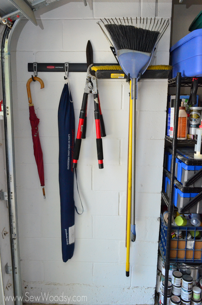 Easy Garage Organization with Rubbermaid FastTrack 5 Piece Kit