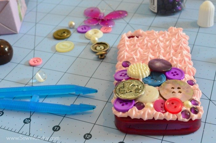 Decoden Button Phone Case with Mod Podge Collage Clay 7