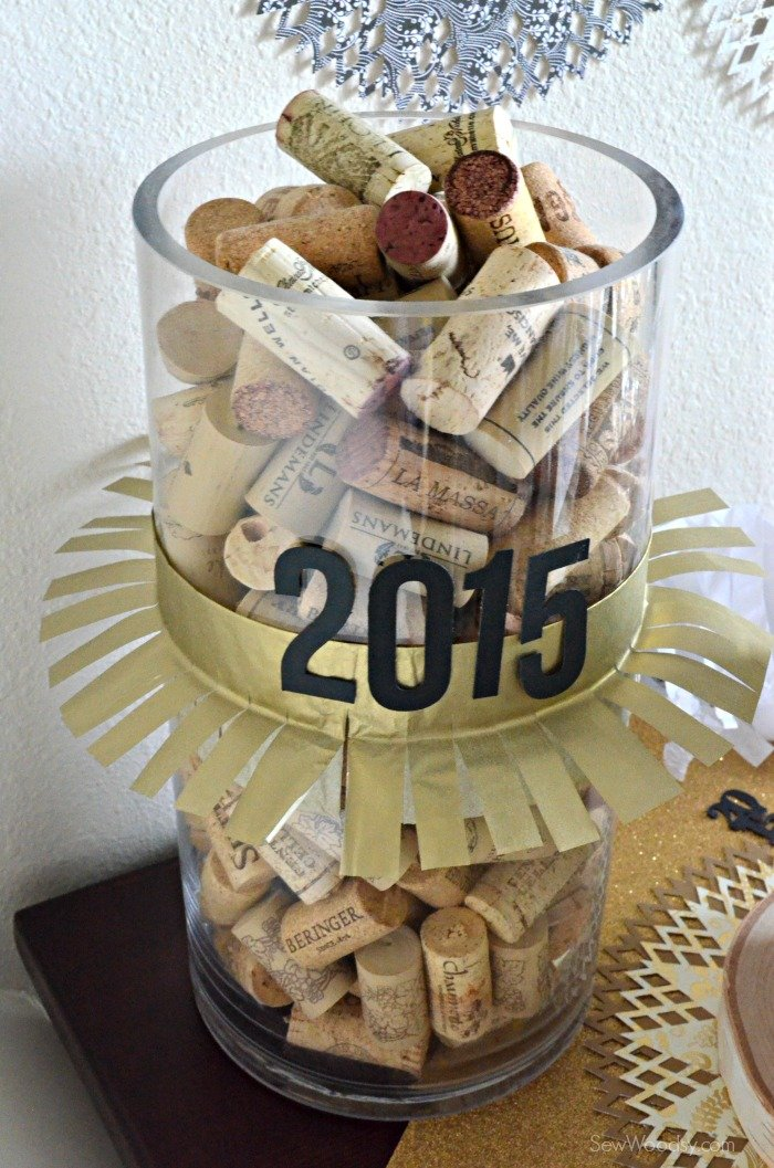 2015 wine cork display
