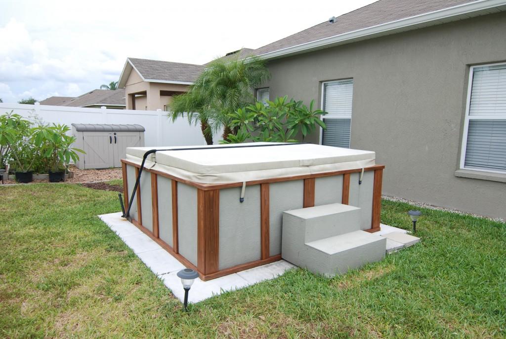 built in hot tub
