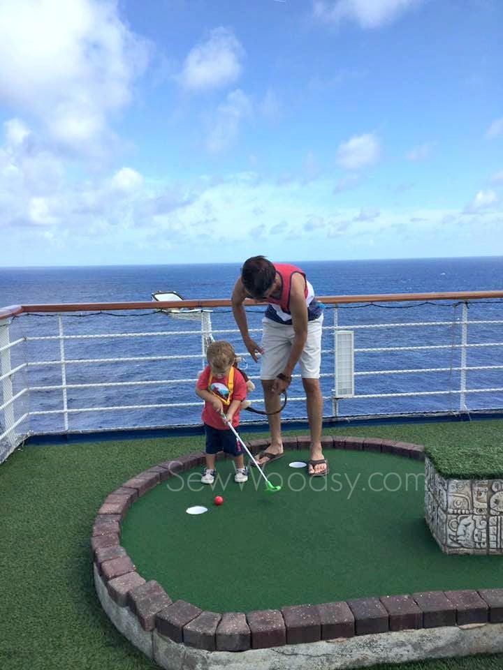 minitature golf at sea