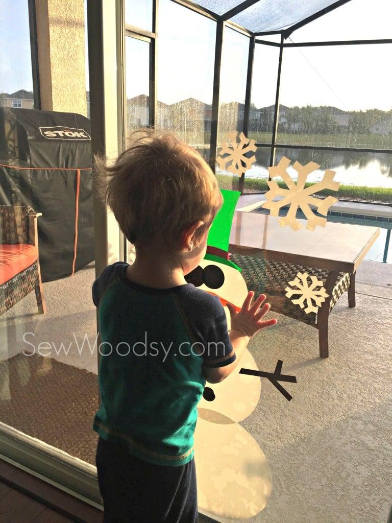 DIY Toddler-Friendly Snowman Window Clings