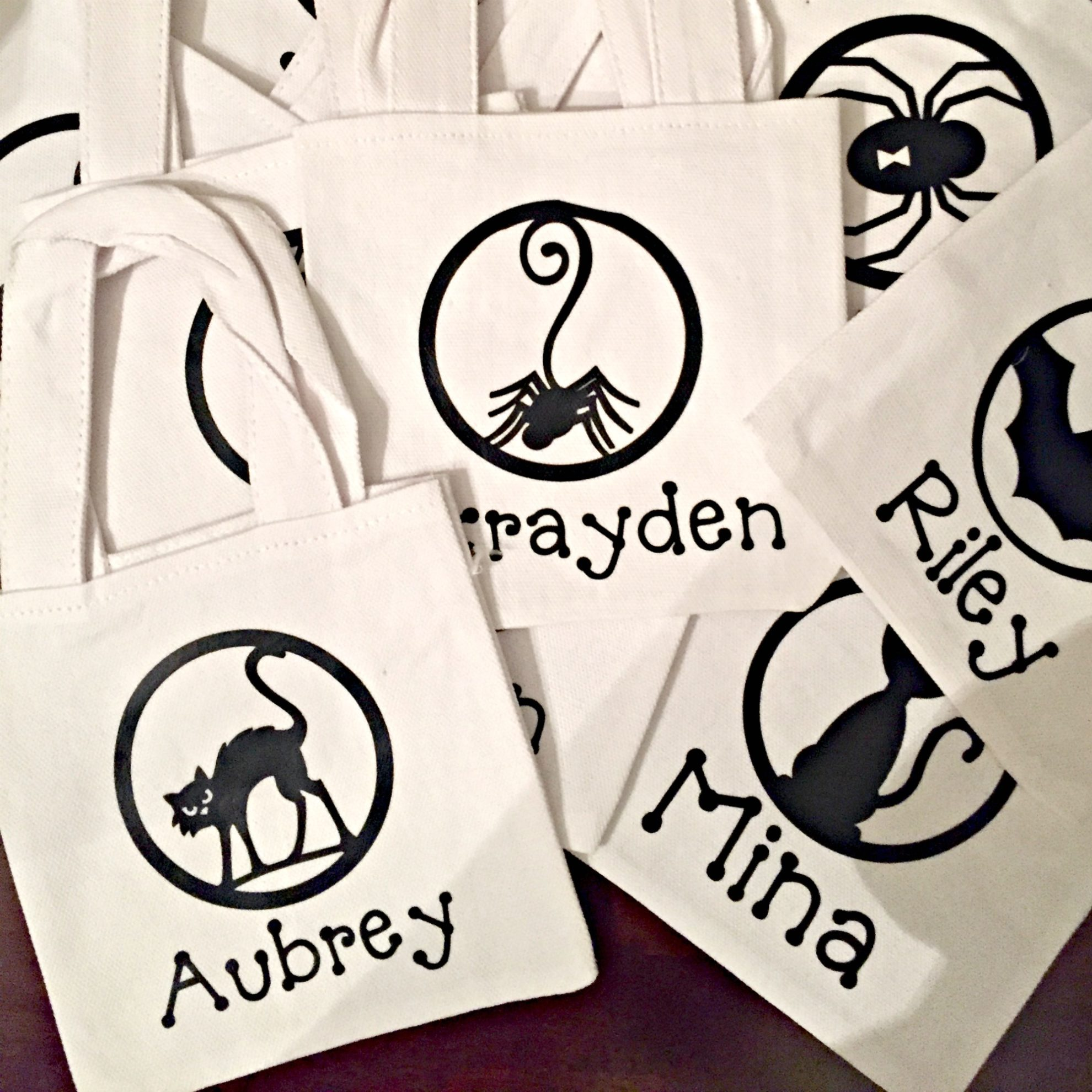 DIY Personalized Mini Halloween Canvas Treat Bags