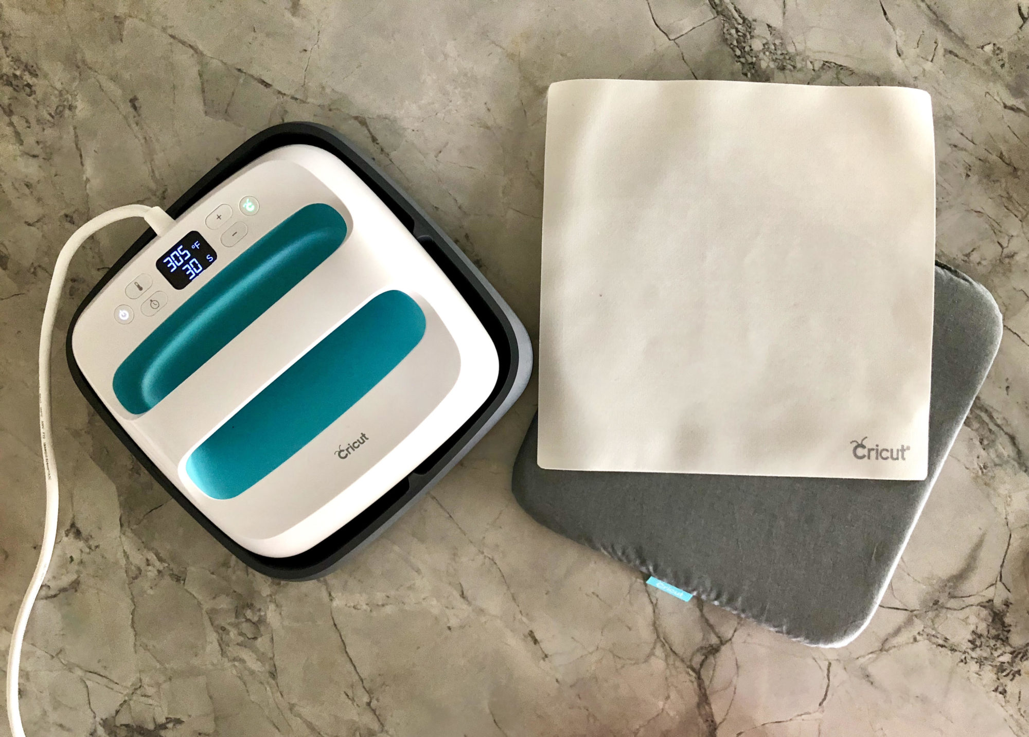 Cricut EasyPress with EasyPress Mat