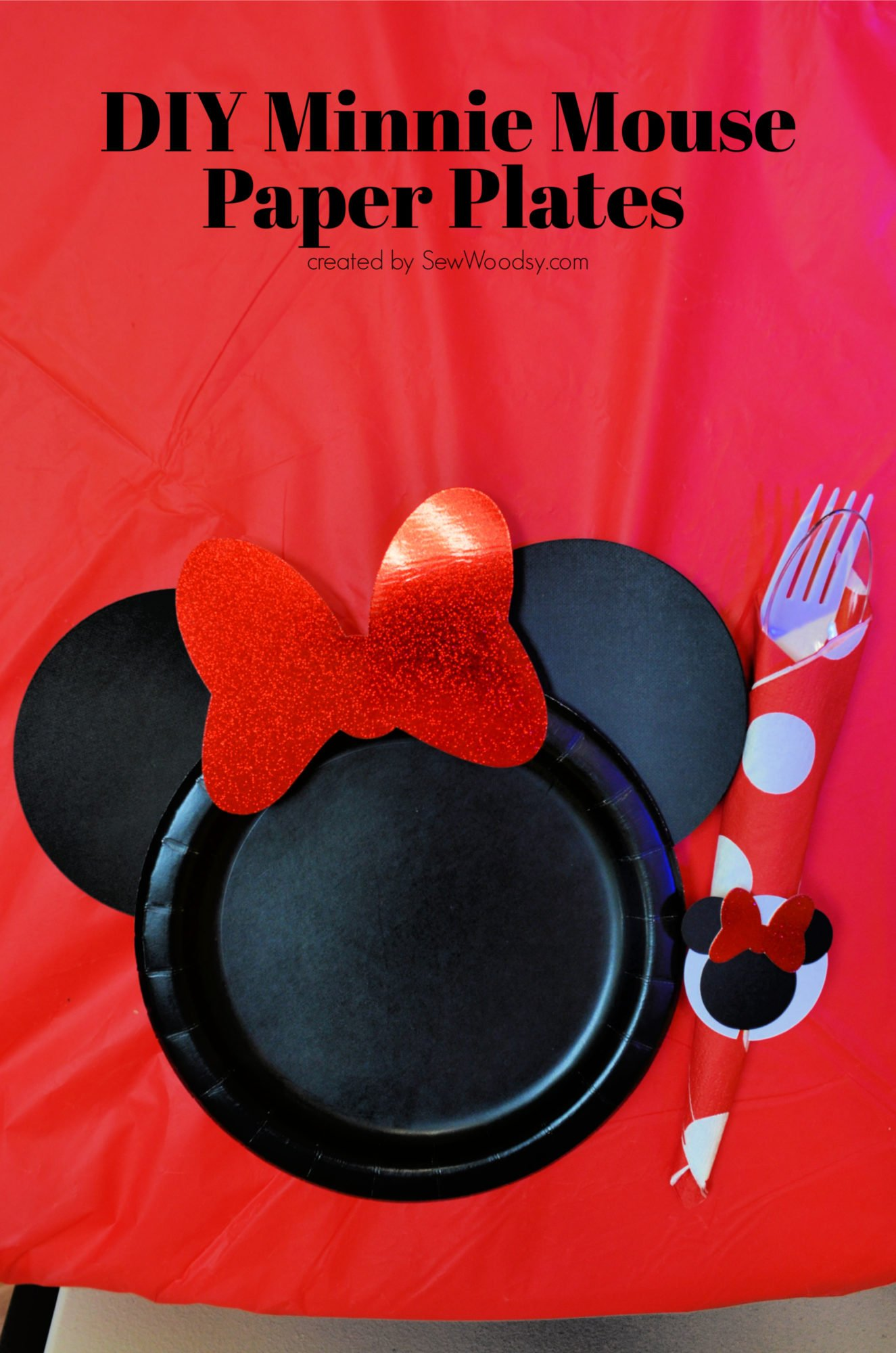 DIY Minnie Mouse Paper Plates