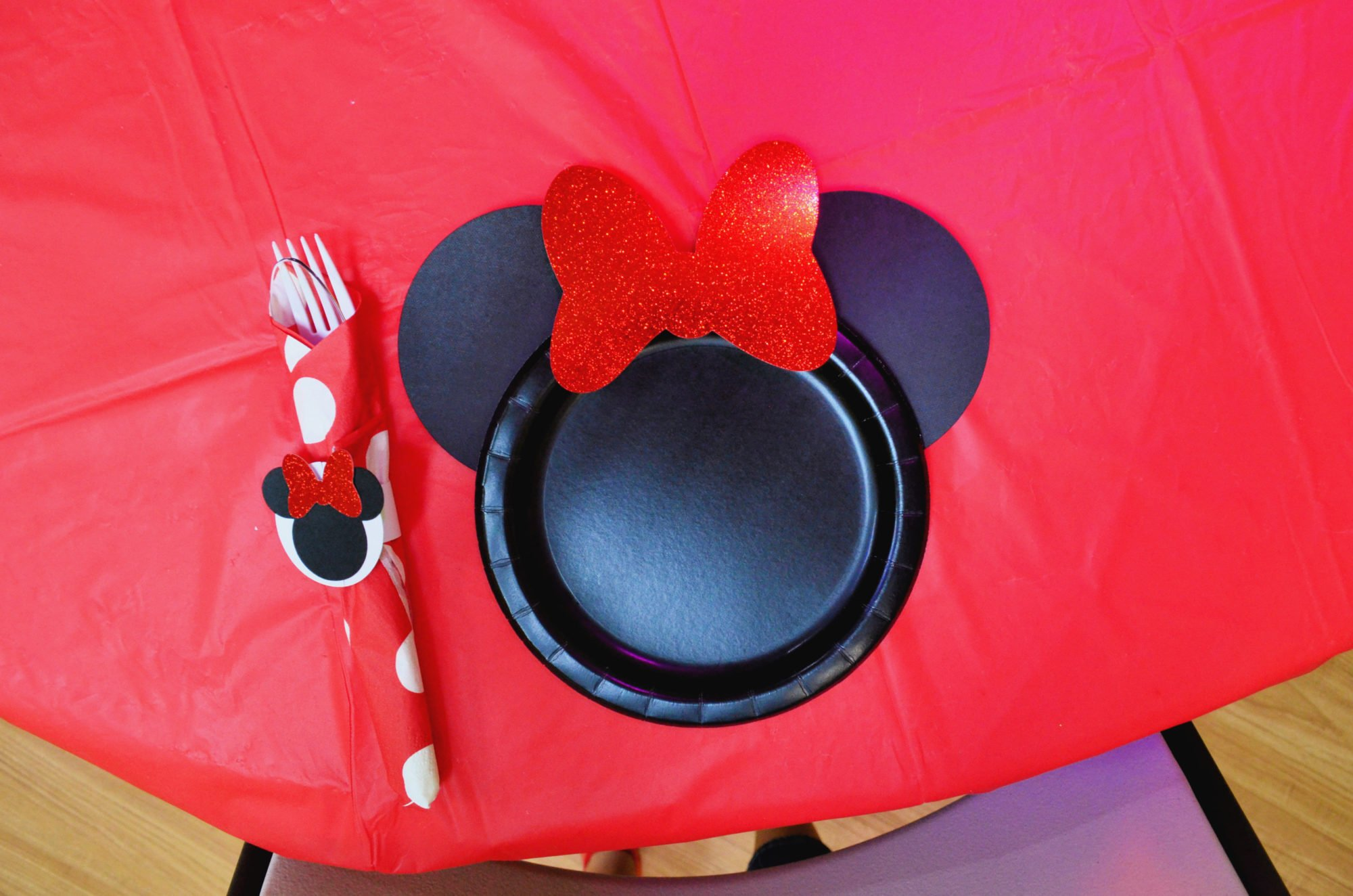 DIY Minnie Mouse Paper Plates Supplies